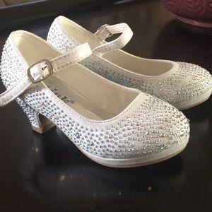 White heel little girls shoes